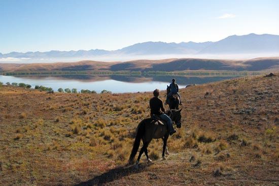 horseback riding Lake Tekapo