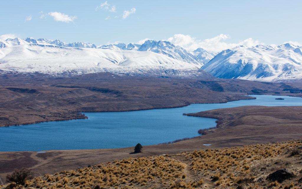 Lake Alexandrina with snowcapped mountains in background